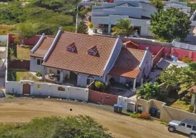 Residential-Casa Aruba>Noord>Noord - Alquiler:1.850 Dolar - codigo: 19-10