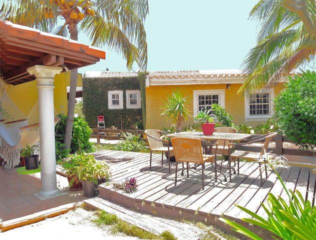 Residential-Casa Aruba>Paradera>Paradera - Alquiler:1.450 Dolar - codigo: 19-48