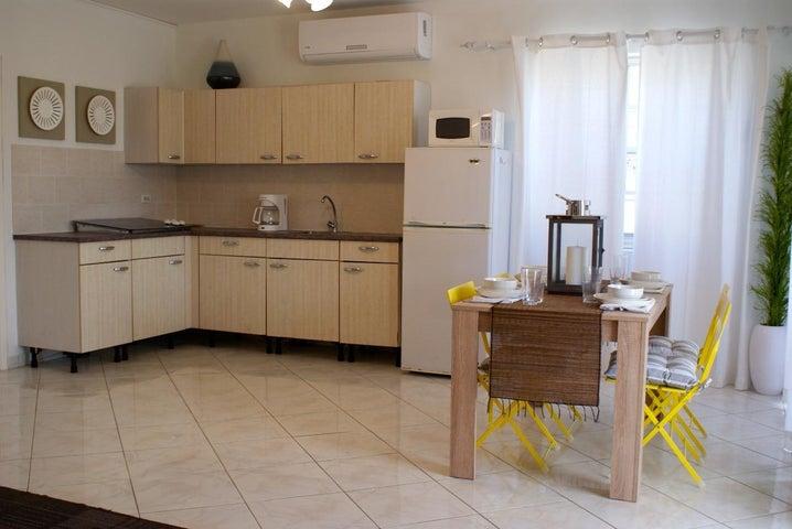 Residential-Casa Aruba>Noord>Noord - Alquiler:1.450 Dolar - codigo: 19-50