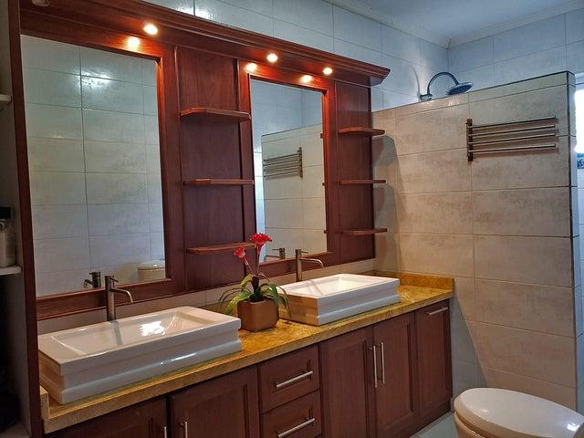 Residential-Casa Aruba>Savaneta>Savaneta - Venta:248.500 Dolar - codigo: 20-22