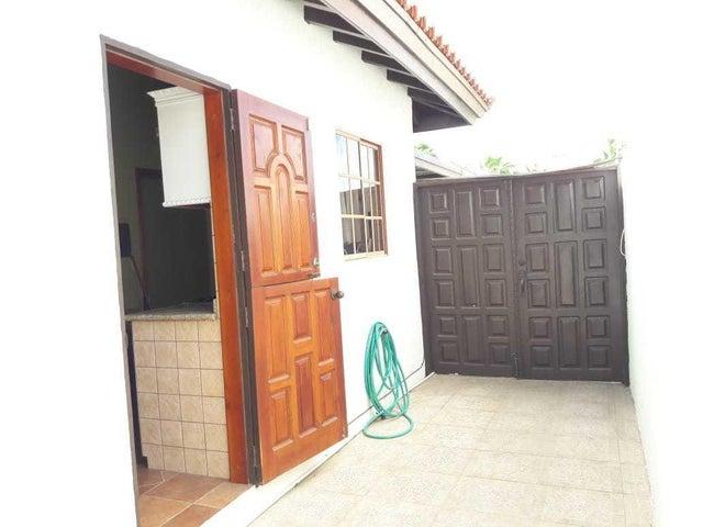 Residential-Casa Aruba>Noord>Noord - Alquiler:2.000 Dolar - codigo: 20-23