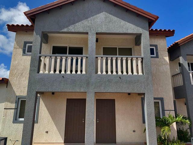 Residential-Casa Aruba>Noord>Noord - Venta:200.000 Dolar - codigo: 20-30
