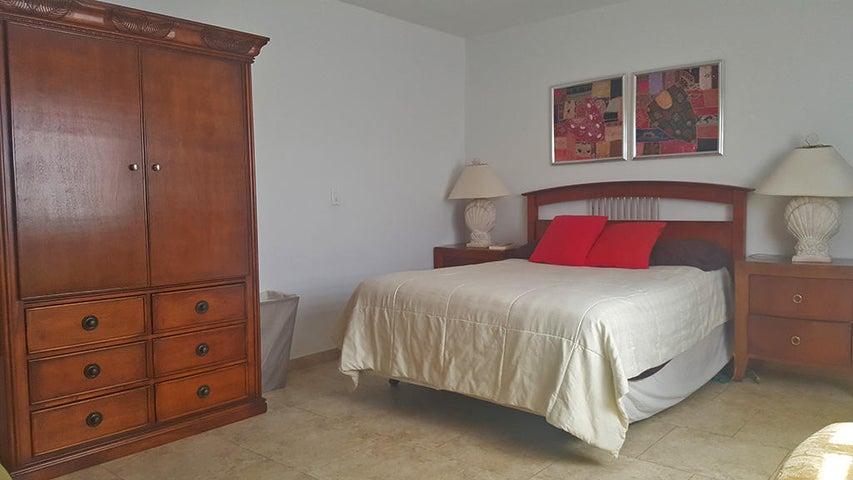 Residential-Casa Aruba>Oranjestad>Oranjestad - Alquiler:2.000 Dolar - codigo: 20-34