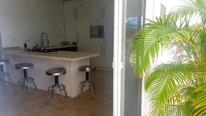 Casa Aruba>Oranjestad>Oranjestad - Alquiler:2.000 Dolar - codigo: 21-28