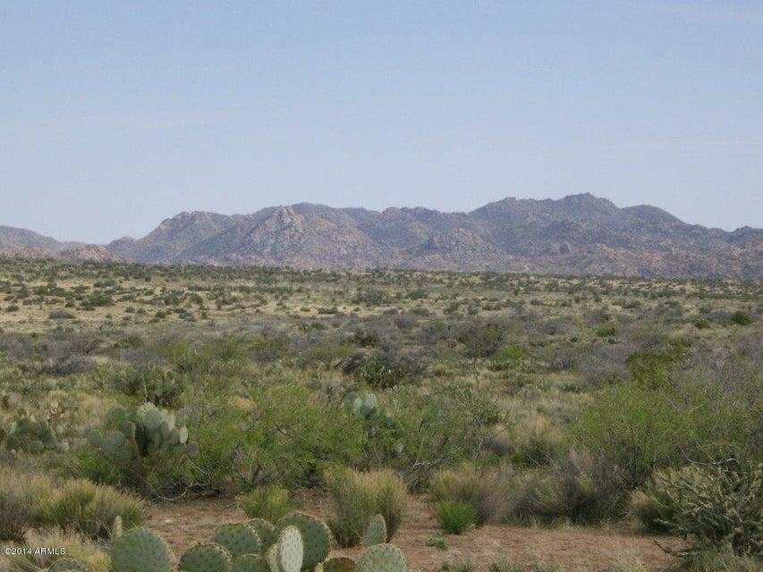 00000 Poco Bueno Road, Congress, AZ 85332