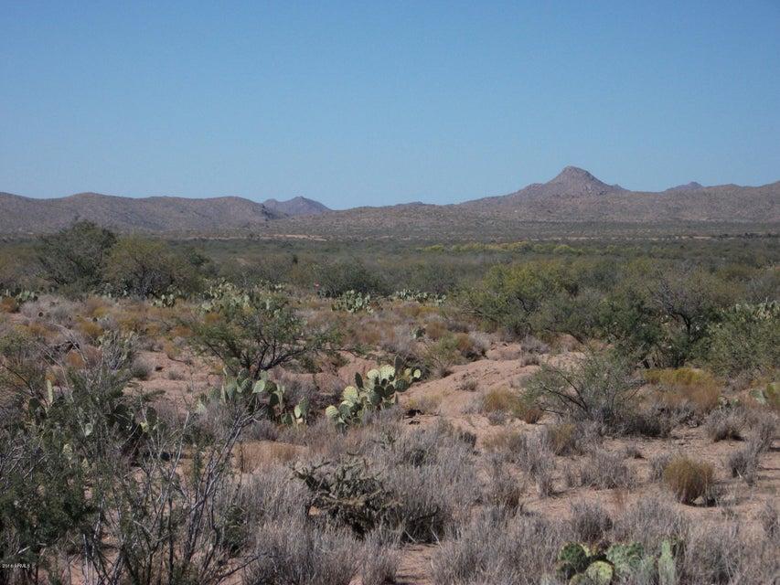 01 BILL CLEGG Road, Congress, AZ 85332