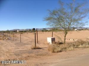 50136 N 4 th Street N Lot 5, Aguila, AZ 85320