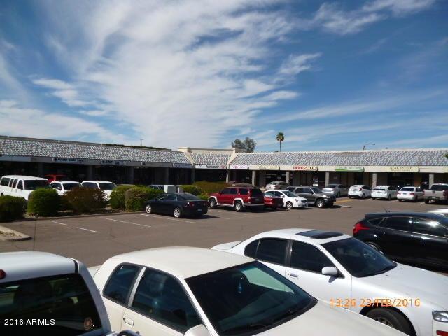 6702 W GREENWAY Road W, Glendale, AZ 85306