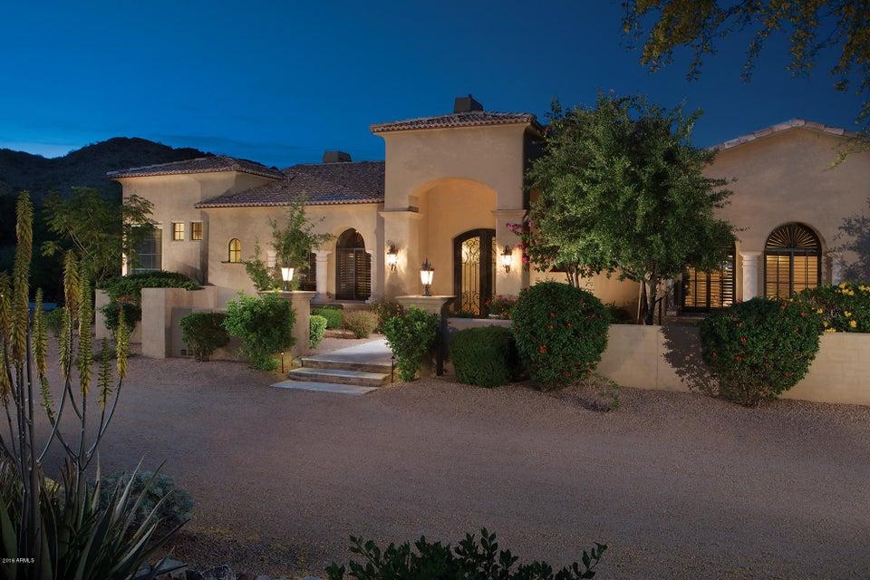 8609 N WREN Circle, Phoenix, AZ 85028
