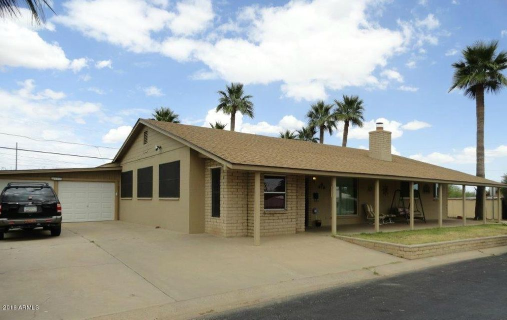 100 Peretz Circle, Morristown, AZ 85342