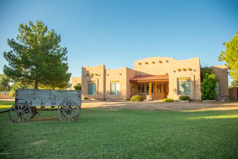 41587 N COYOTE Road, San Tan Valley, AZ 85140