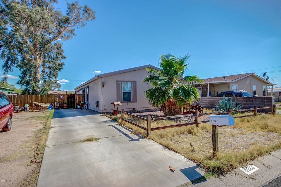 9013 E BUTTERNUT Avenue, Mesa, AZ 85208