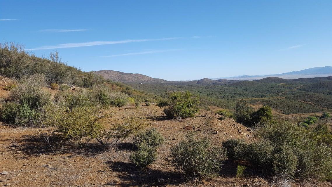S Elizabeth Mine Road, Mayer, AZ 86333