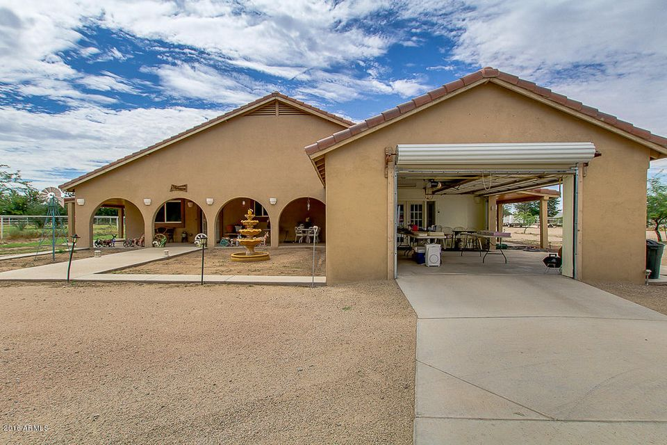 699 W OCOTILLO Road, San Tan Valley, AZ 85142