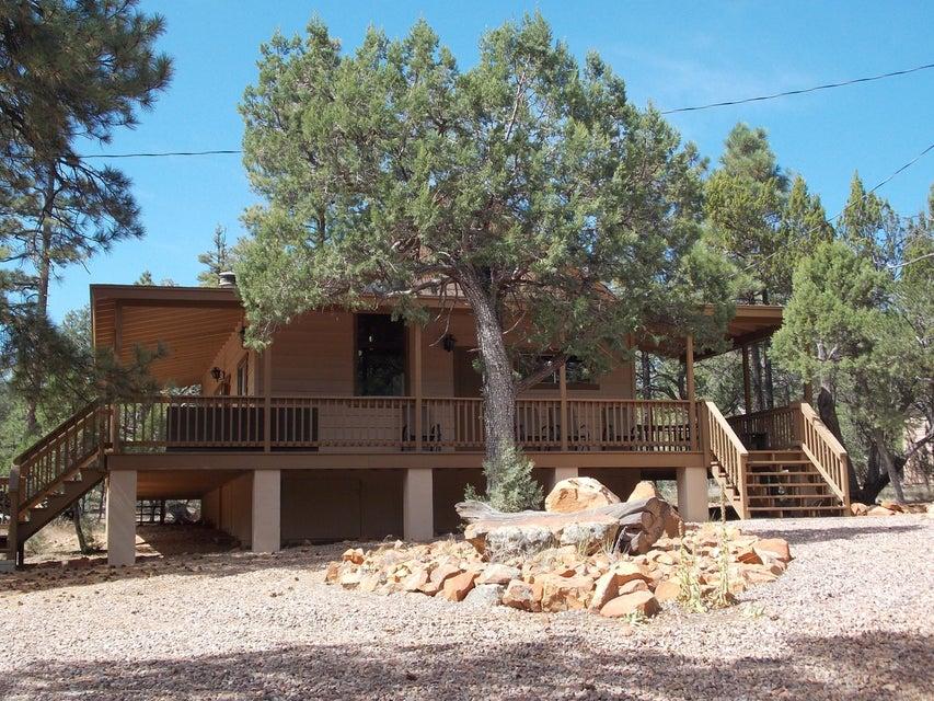2060 Gilbert Lane, Overgaard, AZ 85933