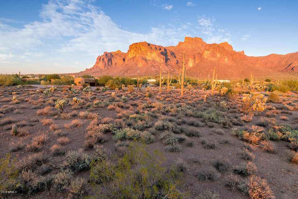 800 N PROSPECTOR Drive Lot 22, Apache Junction, AZ 85119