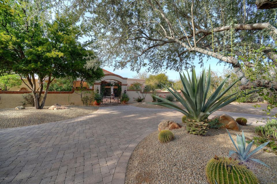 5840 E CARON Circle, Paradise Valley, AZ 85253