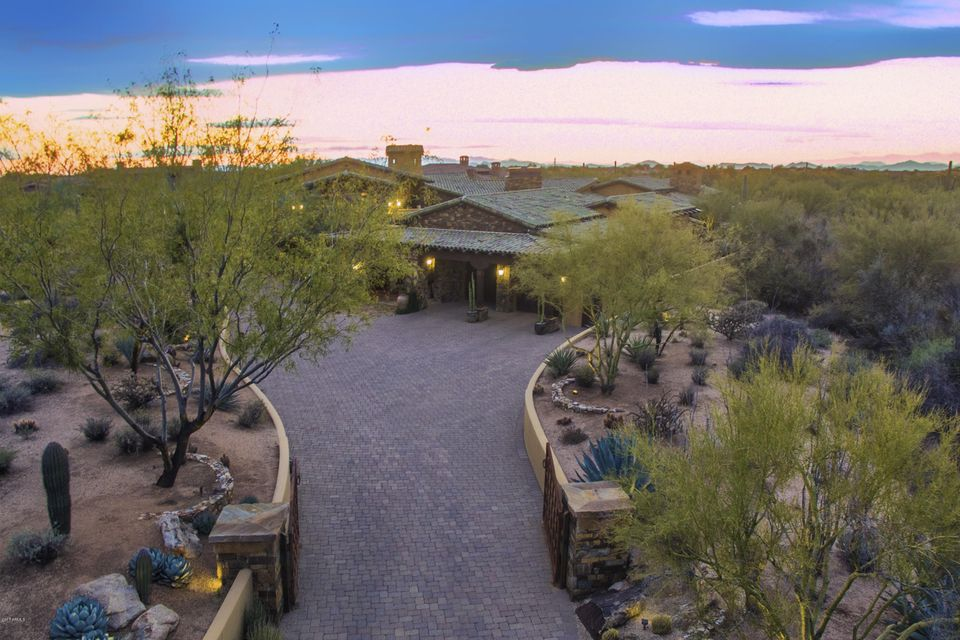 7689 E Whisper Rock Trail