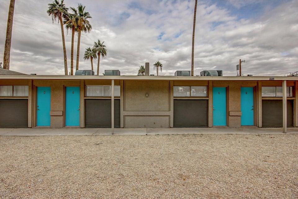6802 W Glendale Avenue, Glendale, AZ 85303