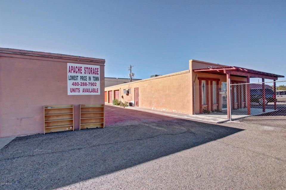 690 S IRONWOOD Drive, Apache Junction, AZ 85120