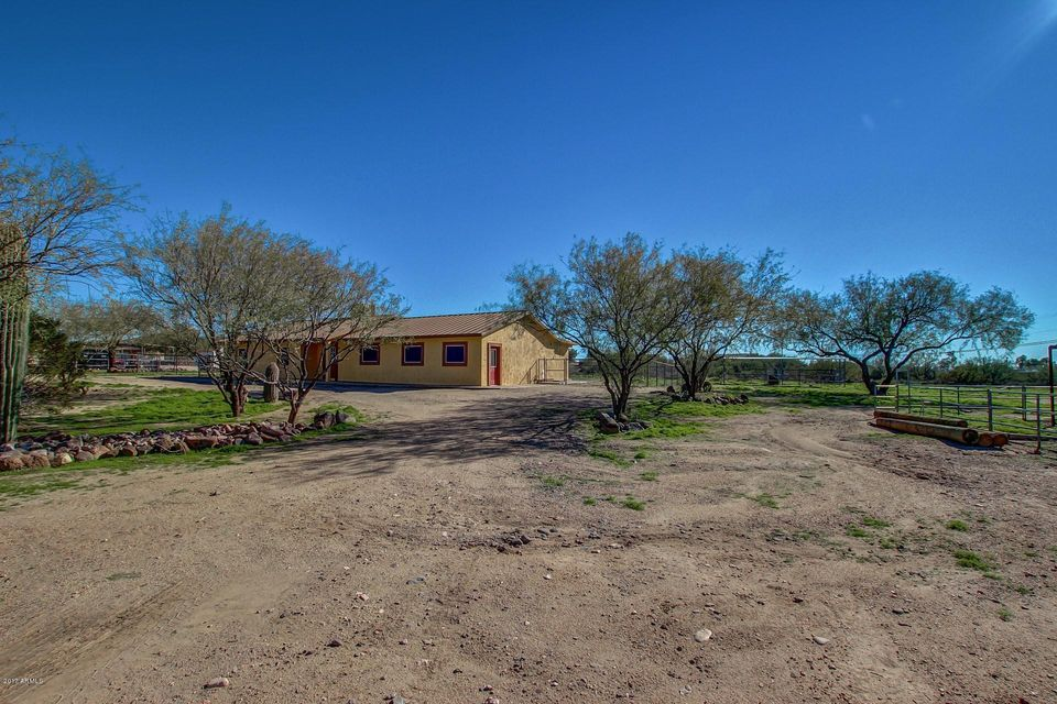 43817 N 3RD Avenue, New River, AZ 85087
