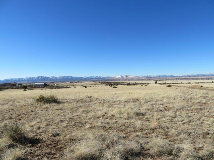 8465 N HOWLING Lane, Prescott Valley, AZ 86315