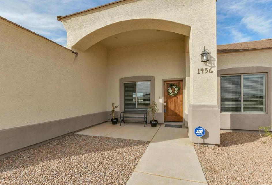 1456 E LOVELAND Lane, San Tan Valley, AZ 85140