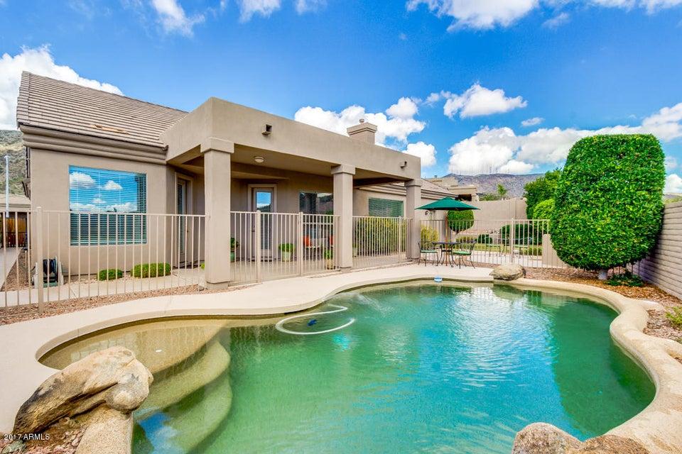 233 W DESERT FLOWER Lane, Phoenix, AZ 85045