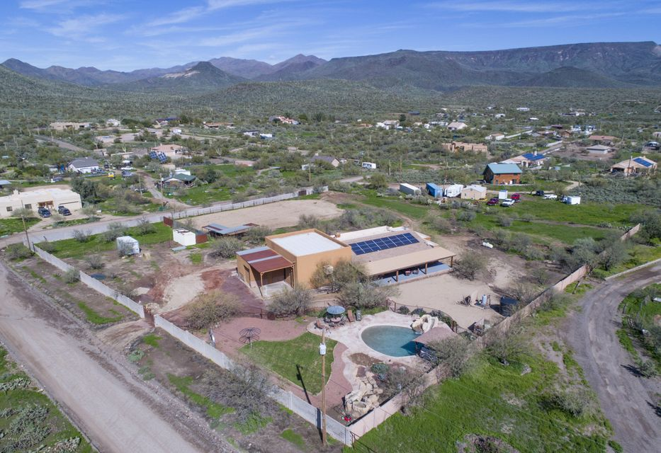 1215 W LAZY K RANCH Road, New River, AZ 85087