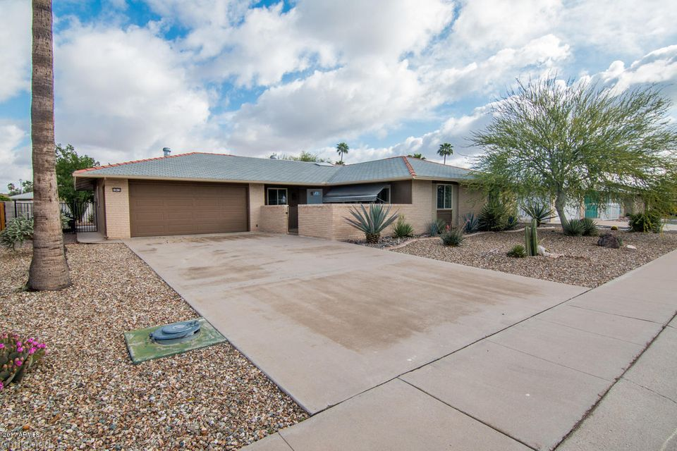 10612 W OAK RIDGE Drive, Sun City, AZ 85351