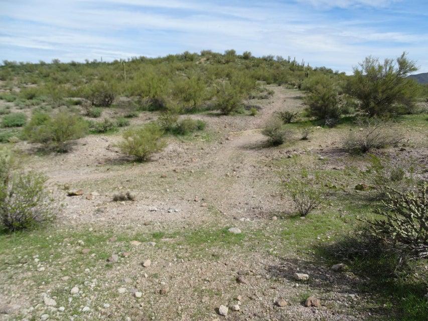 47609 N GRAND Avenue, Morristown, AZ 85342
