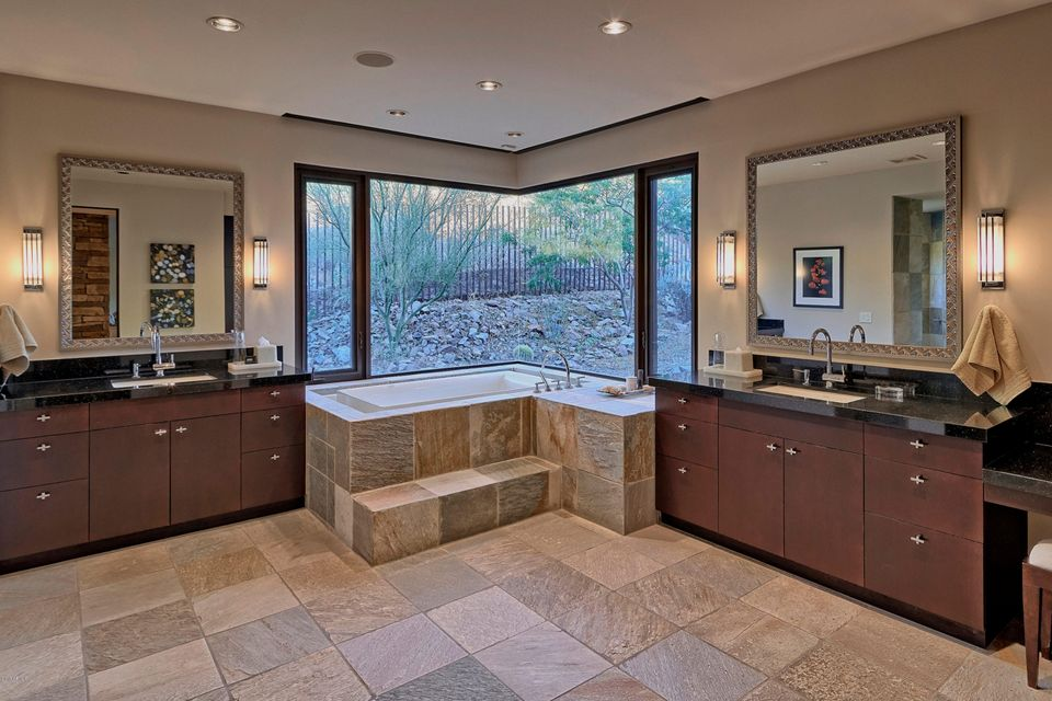 MLS#5592297 $5,300,000 www.vdbteam.us 10500 E LOST CANYON Drive #21 ...
