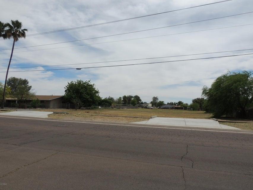 4111 W YORKSHIRE Drive Lot 195, Glendale, AZ 85308