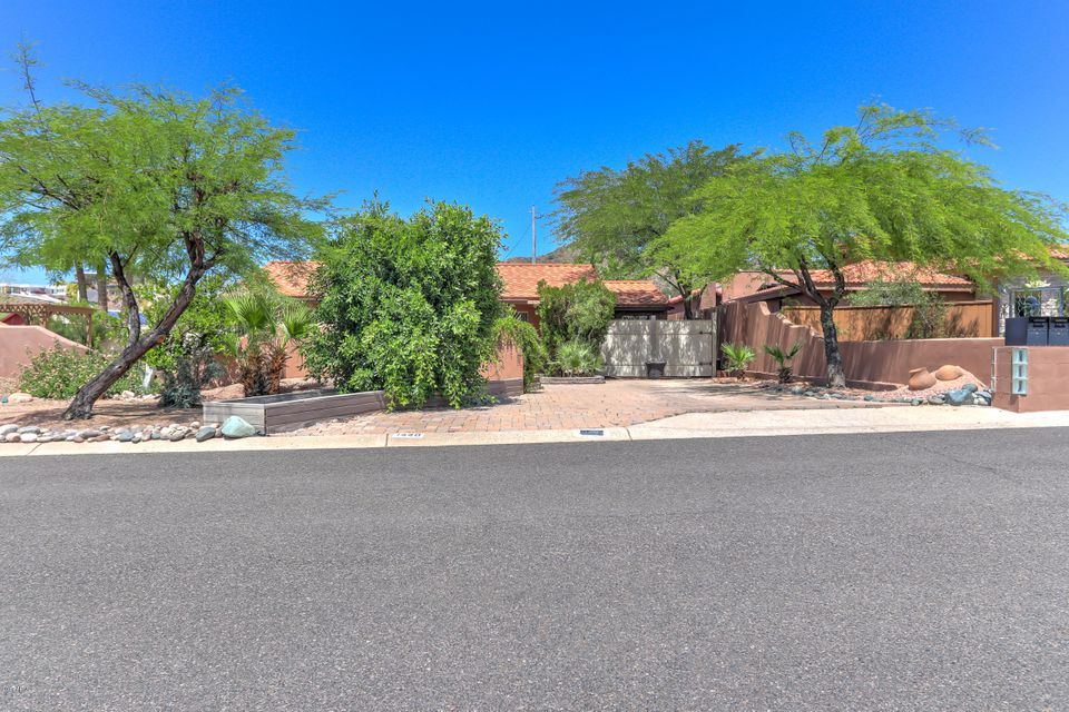 1448 E ROYAL PALM Road, Phoenix, AZ 85020