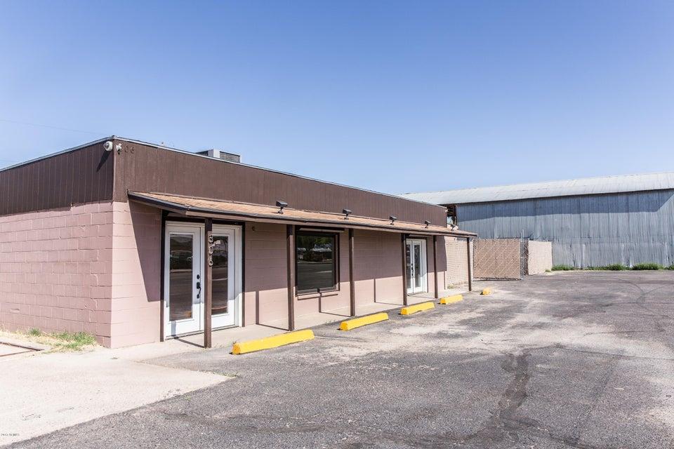 306 S IRONWOOD Drive, Apache Junction, AZ 85120