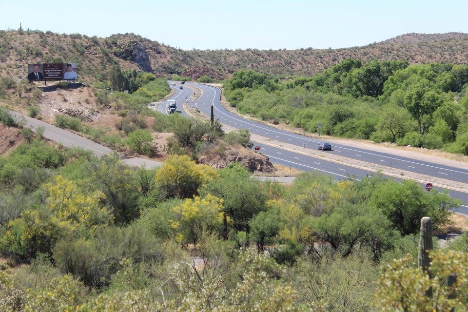 45667 N HIGHWAY 60 Highway, Morristown, AZ 85342