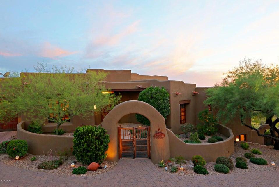 8933 E Stanley Thompson Lane, Scottsdale, AZ 85262