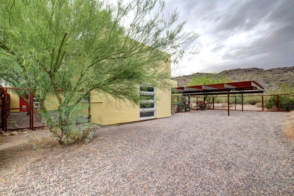 2543 E WINSTON Drive, Phoenix, AZ 85042