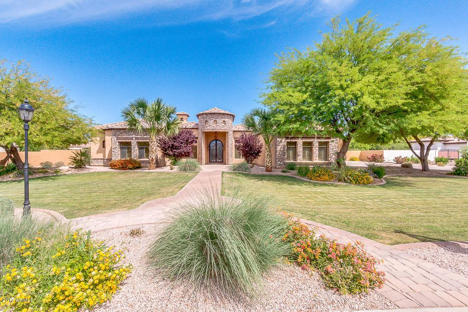 2346 E SANOQUE Court, Gilbert, AZ 85298