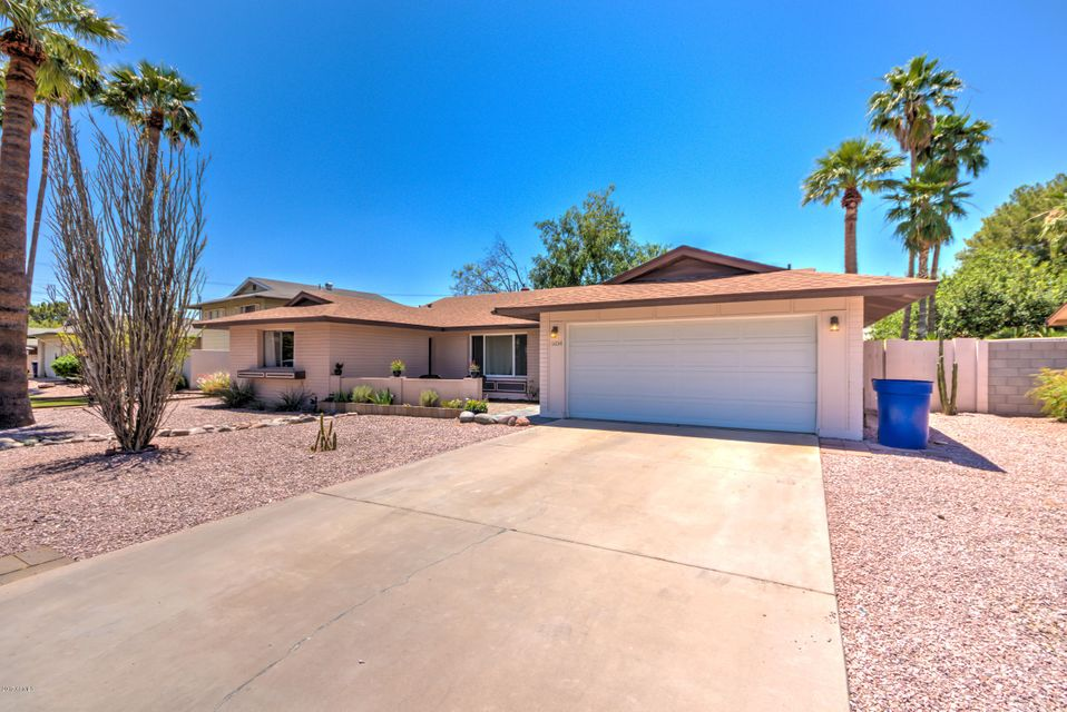 6834 S WILLOW Drive, Tempe, AZ 85283