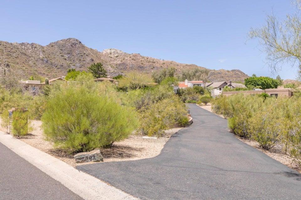2206 E MOUNTAIN VIEW Road, Phoenix, AZ 85028