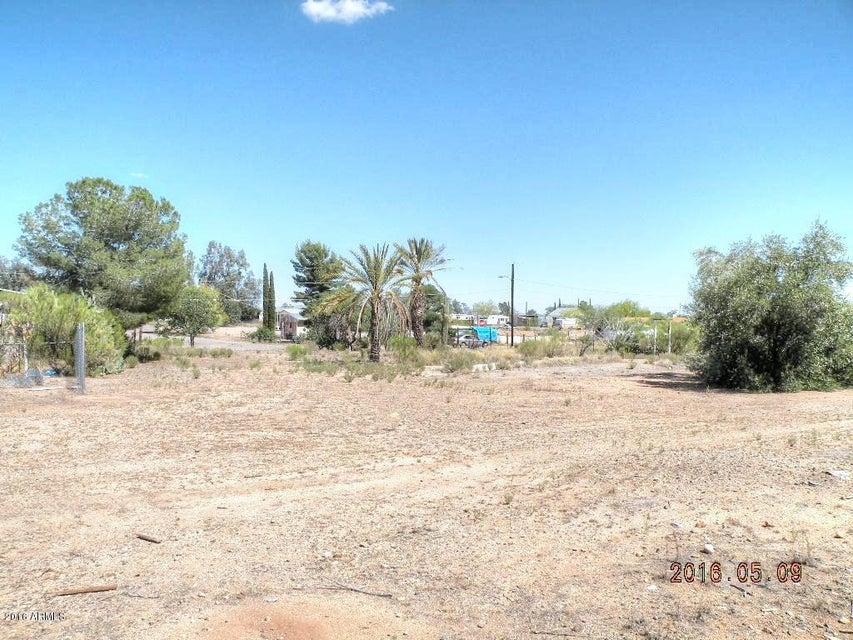 26830 S Chittendon Street, Congress, AZ 85332