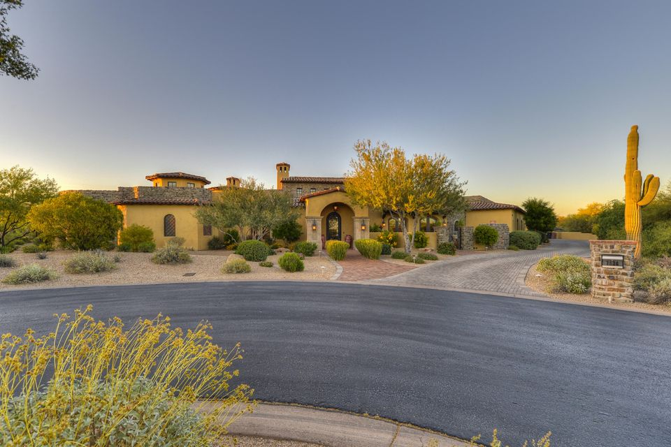 7526 E Whisper Rock Trail