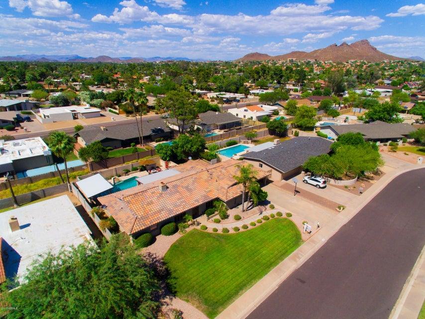 18 E CANTERBURY Court, Phoenix, AZ 85022