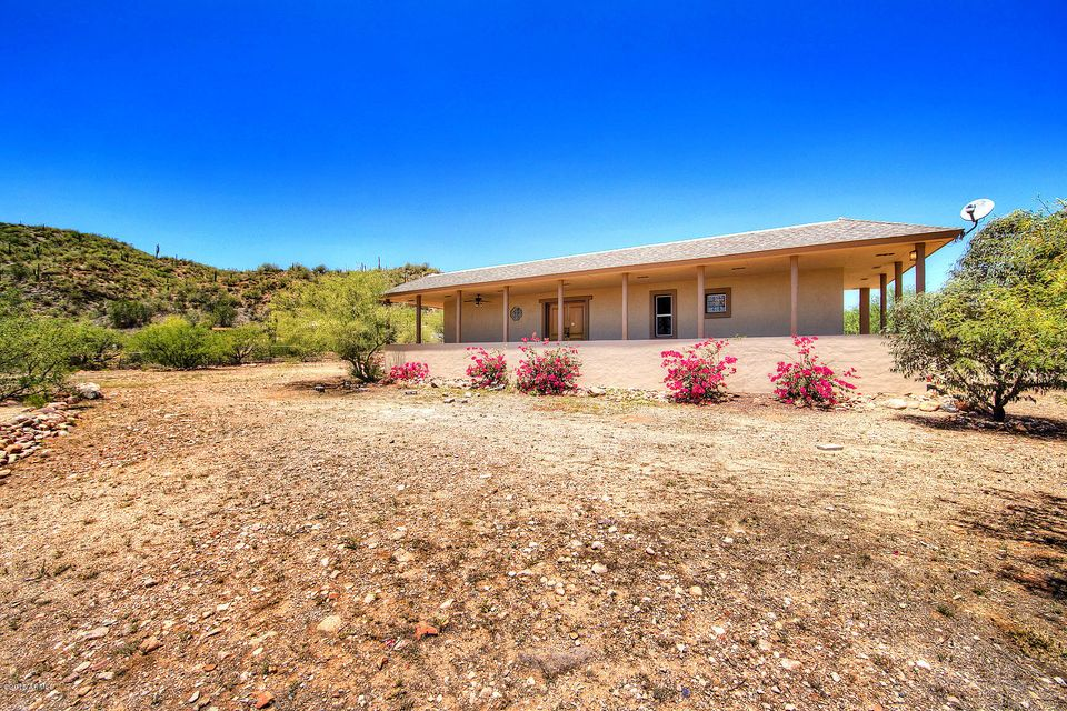 18775 E MAREN Avenue, Black Canyon City, AZ 85324