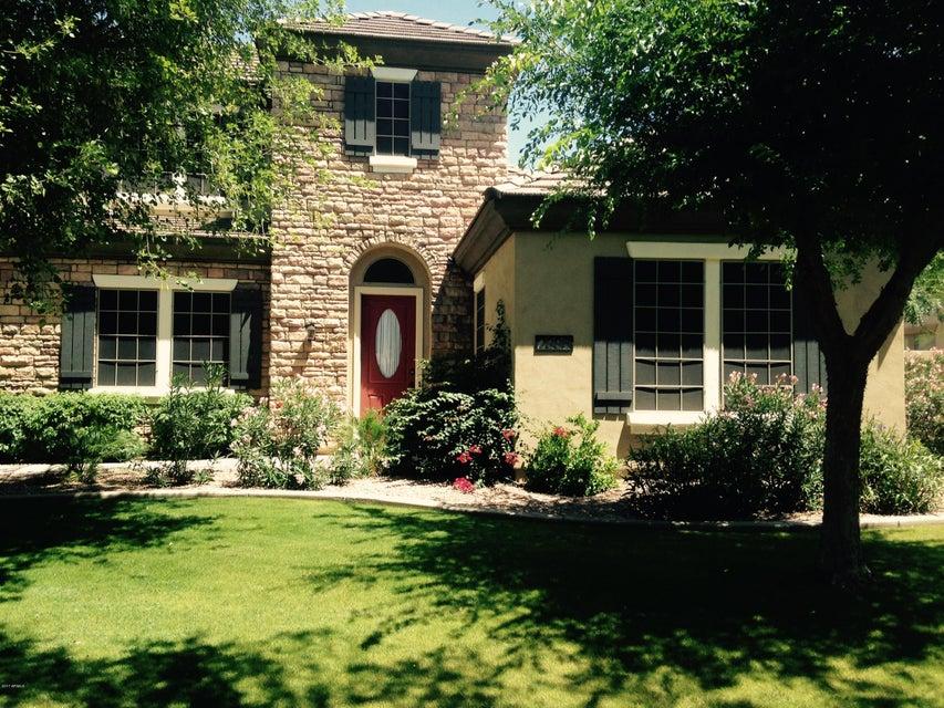 2886 E WASHINGTON Avenue, Gilbert, AZ 85234