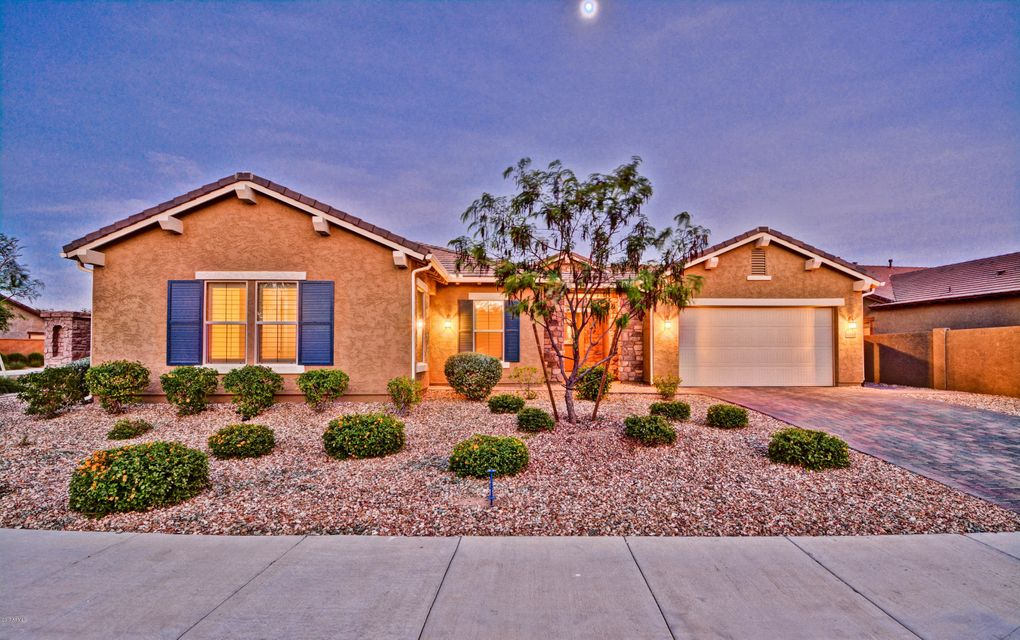 16049 W VERNON Avenue, Goodyear, AZ 85395
