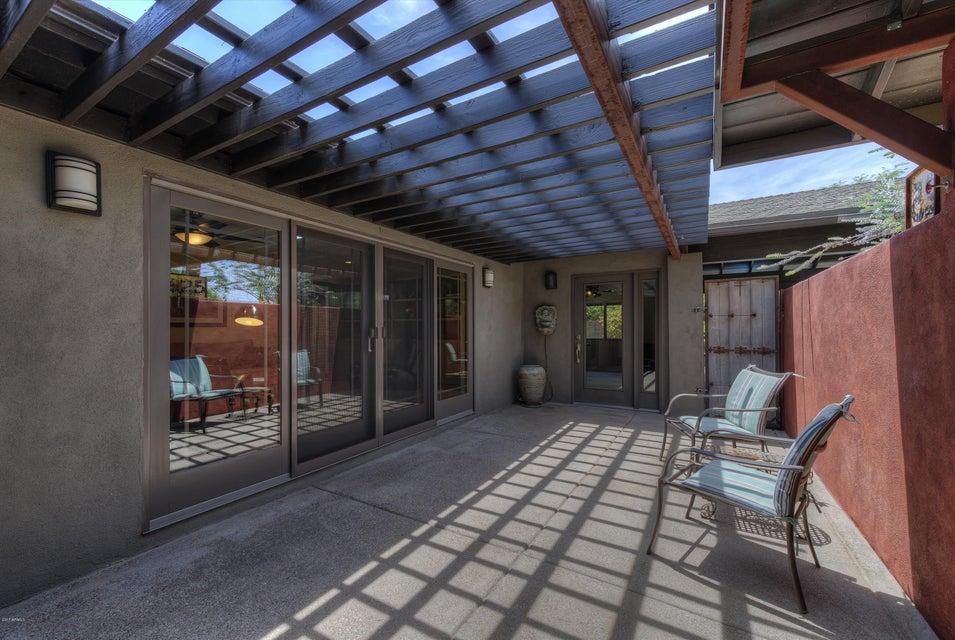 1625 E CLAREMONT Street, Phoenix, AZ 85016