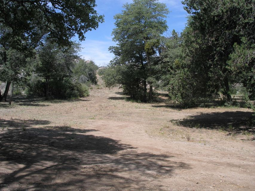 - S Metate Forest Trail, Yarnell, AZ 85362