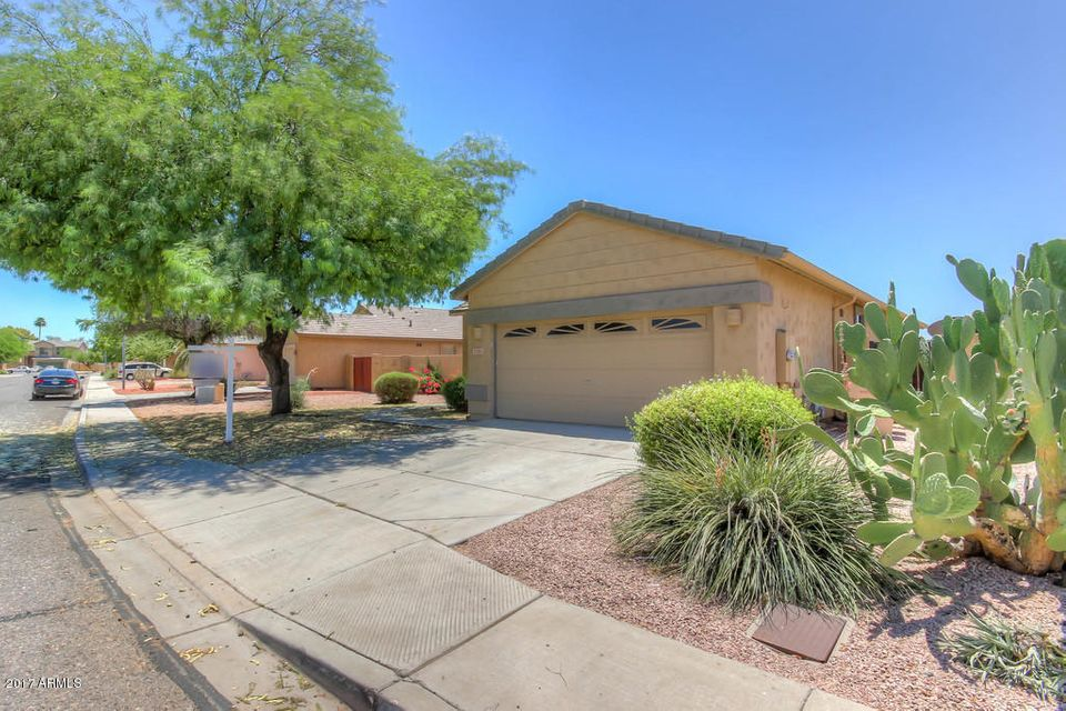 5785 W GOLDEN Lane, Glendale, AZ 85302